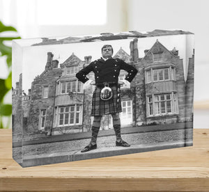 Oliver Reed in a kilt Acrylic Block - Canvas Art Rocks - 2