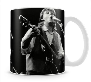 Paul McCartney on stage in 1989 Mug - Canvas Art Rocks - 1
