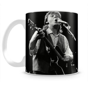 Paul McCartney on stage in 1989 Mug - Canvas Art Rocks - 2