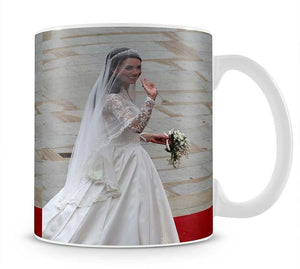 Prince William and Kate Kate the bride arrives at the Abbey Mug - Canvas Art Rocks - 1