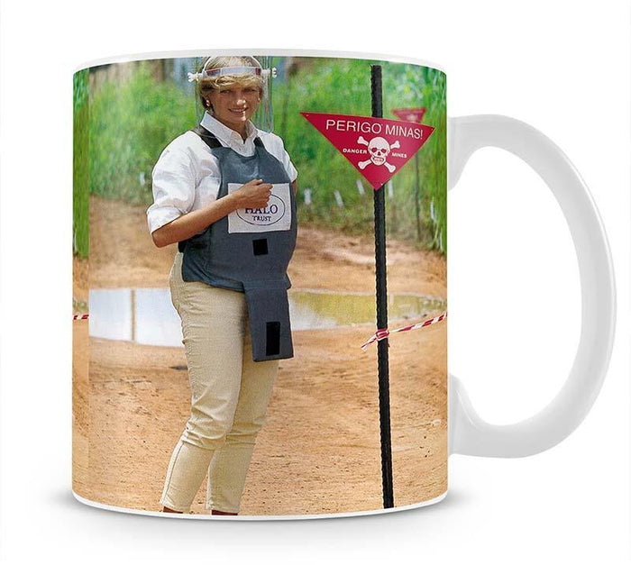 Princes Diana at a mine field in Angola for a Red Cross visit Mug