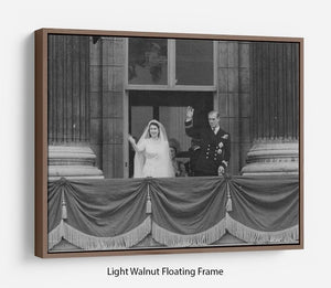 Queen Elizabeth II Wedding the couple wave from the balcony Floating Frame Canvas