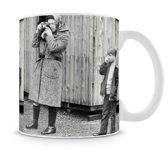 Queen Elizabeth II with a young Prince Edward Mug
