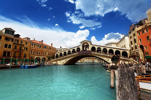 Rialto bridge in Venice Wall Mural Wallpaper - Canvas Art Rocks - 1