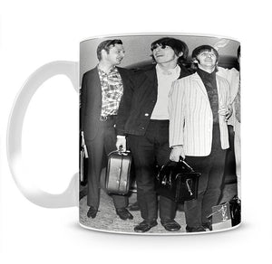 The Beatles and Brian Epstein at London Airport Mug - Canvas Art Rocks - 2