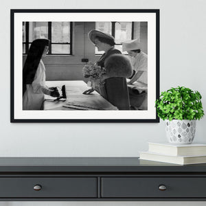 The Queen Mother at a training college Framed Print - Canvas Art Rocks - 1