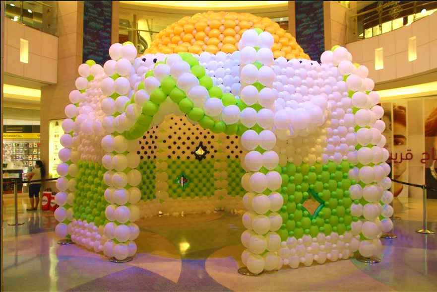 ARCHITECTURE MadeWithBalloons™ at Al Ghurair Centre.