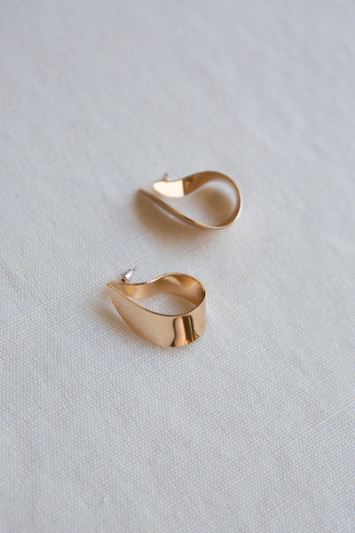 Gold Flat Curl Statement Earring - Wynter Bloom