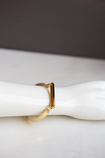 Minimalist Gold Horseshoe Bar Bracelet - Wynter Bloom