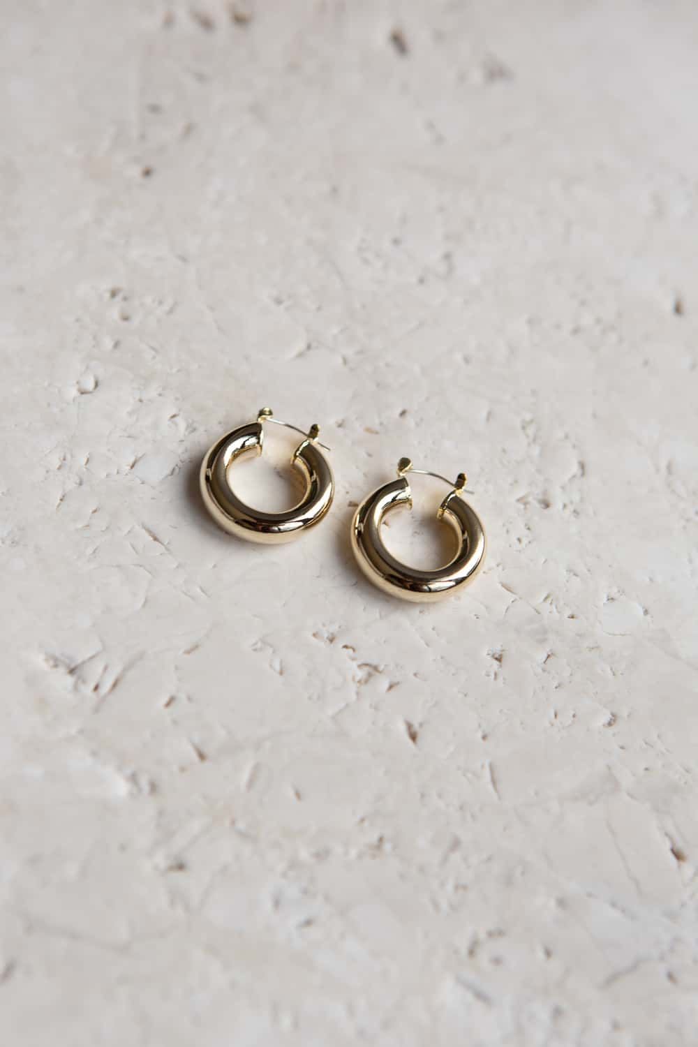 Lightweight Gold Chunky Tube Hoop Earrings - Wynter Bloom