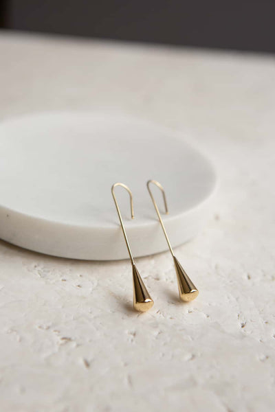 Minimalist Gold Elongated Teardrop Earring - Wynter Bloom