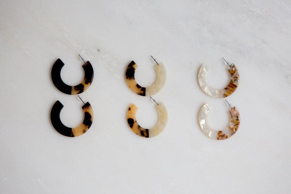 Tortoise Shell Earrings (White/Amber Mixed)