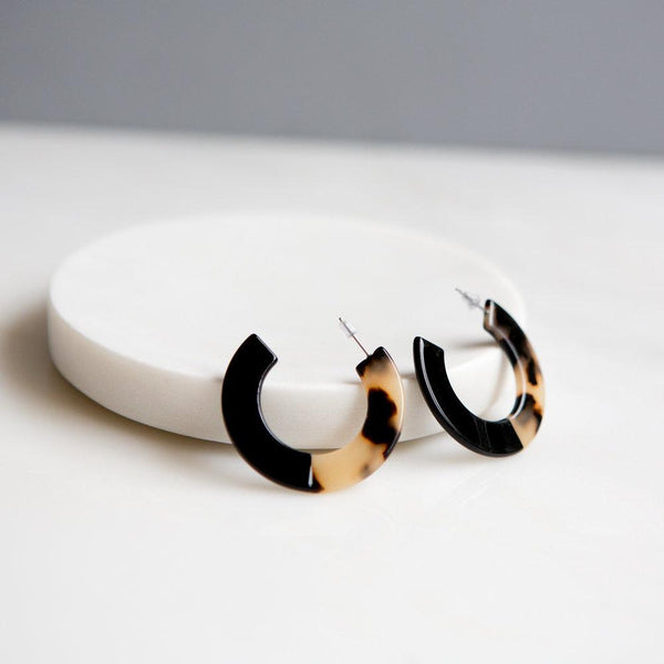 Tortoise Shell Earrings (Black/Blonde & Black)