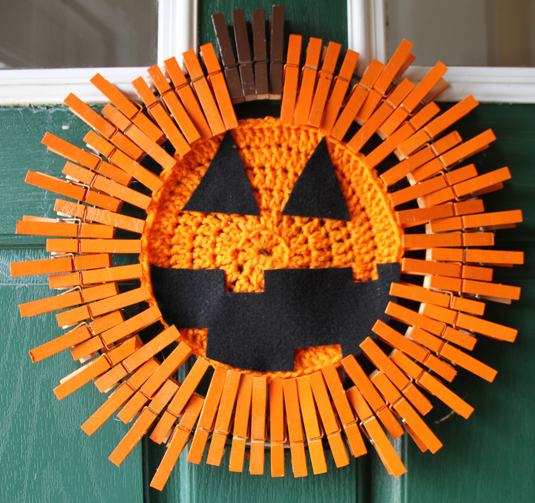 Jack o Lantern Pumpkin Clothespin and Crochet Wreath