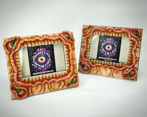 "Moldy Picture Frame 8""x7"""