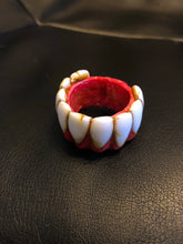 Moldy toothy Ring