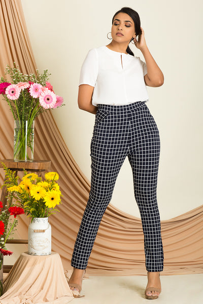 Button Detailed Cropped Pant