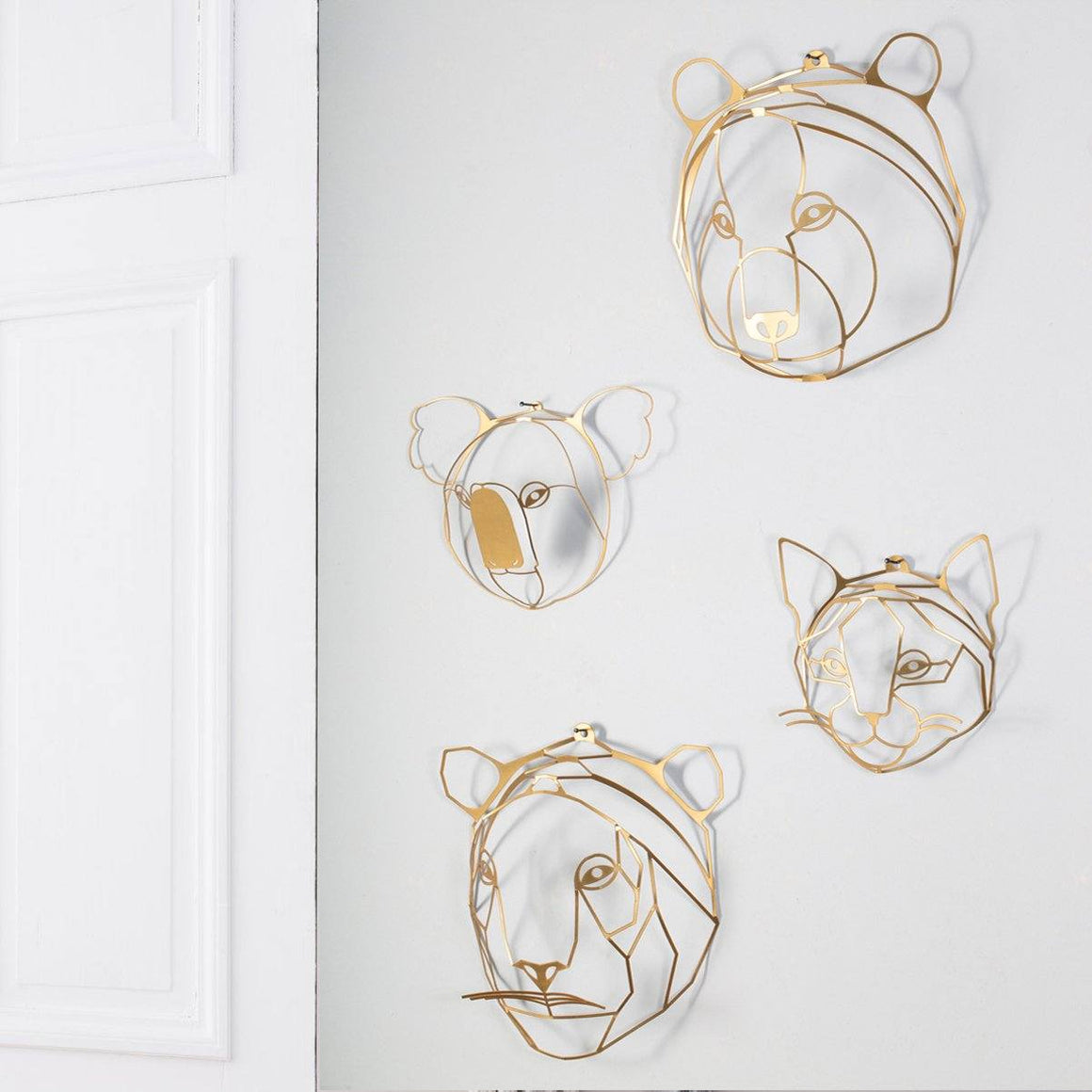 Pack of four Heads to hang on the wall | Wall Decor ShapeMixer