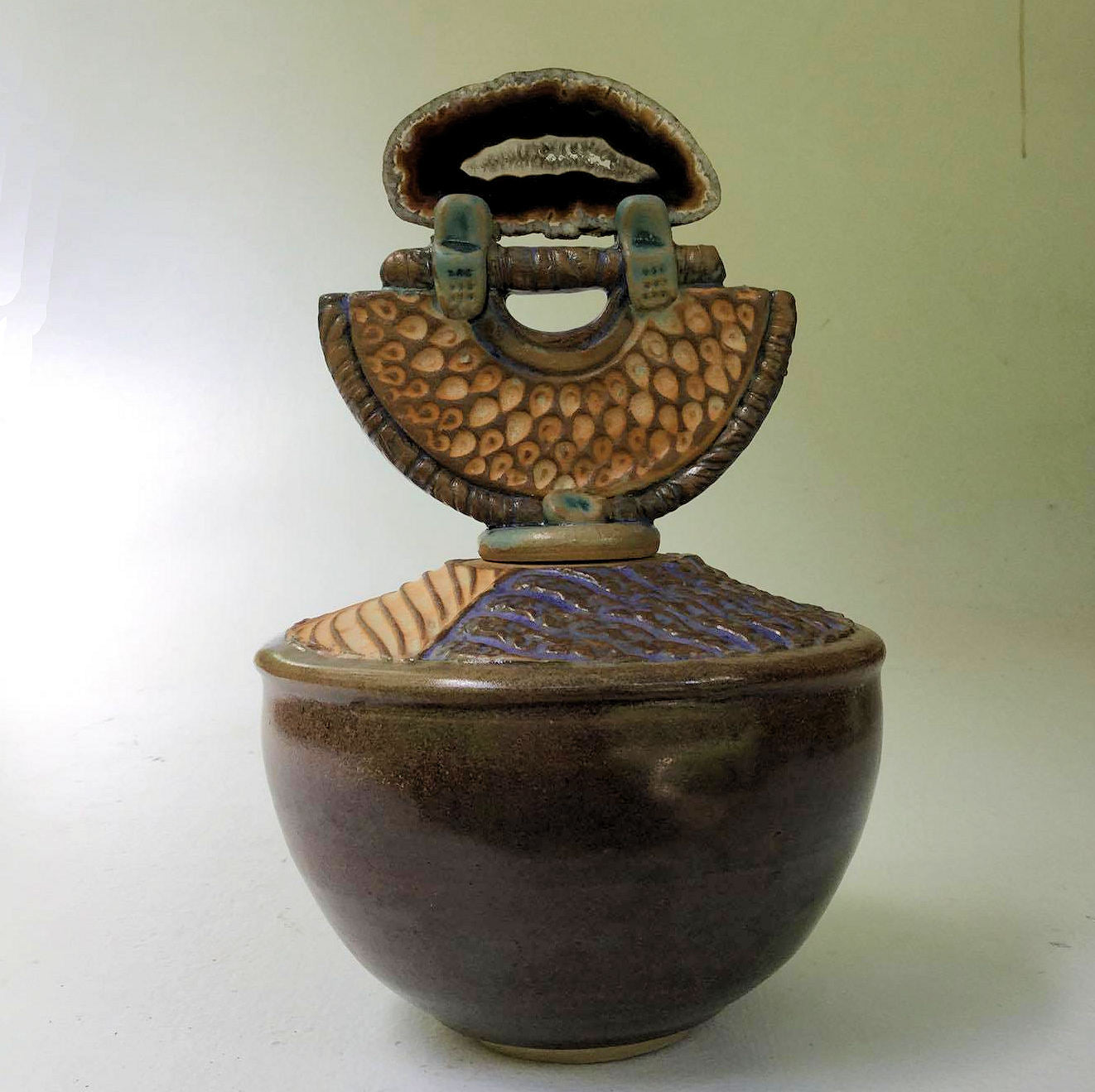 Pottery Vessel with Agate Lid