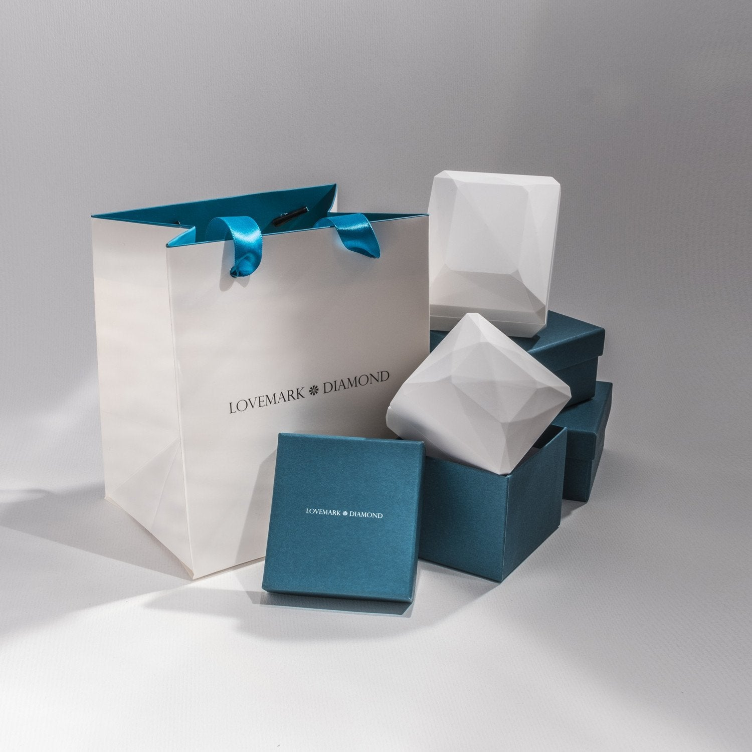 Lovemark Packaging
