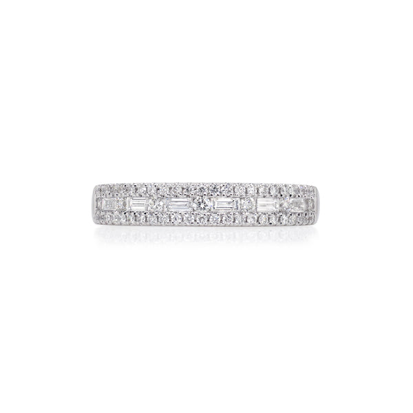 PINNACLE RING SURROUNDED WITH DIAMONDS