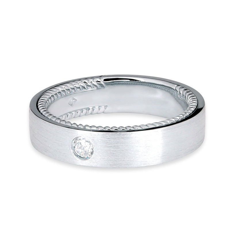 CLASSIC MEN WEDDING BAND WITH TWIST INSIDE BAND & ROUND DIAMOND