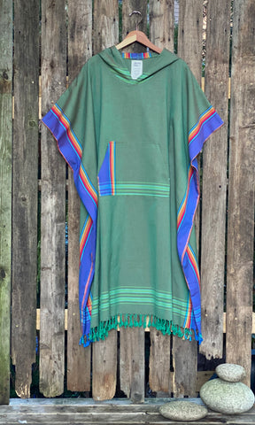 Surf Poncho Green rainbow