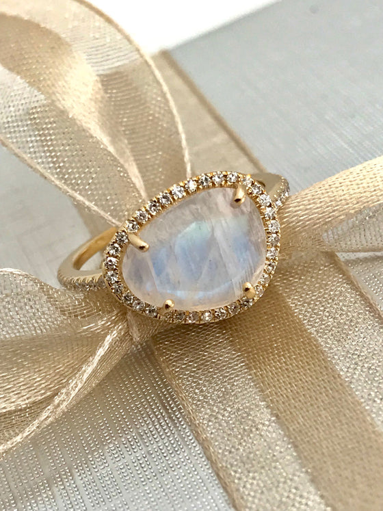 Made to order - 14k gold diamond AAA rainbow moonstone ring