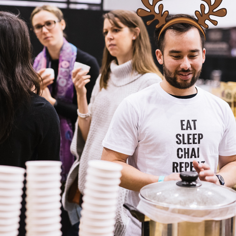 chai-walli-t-shirt-christmas-market-melbourne-december-festive-season-tea