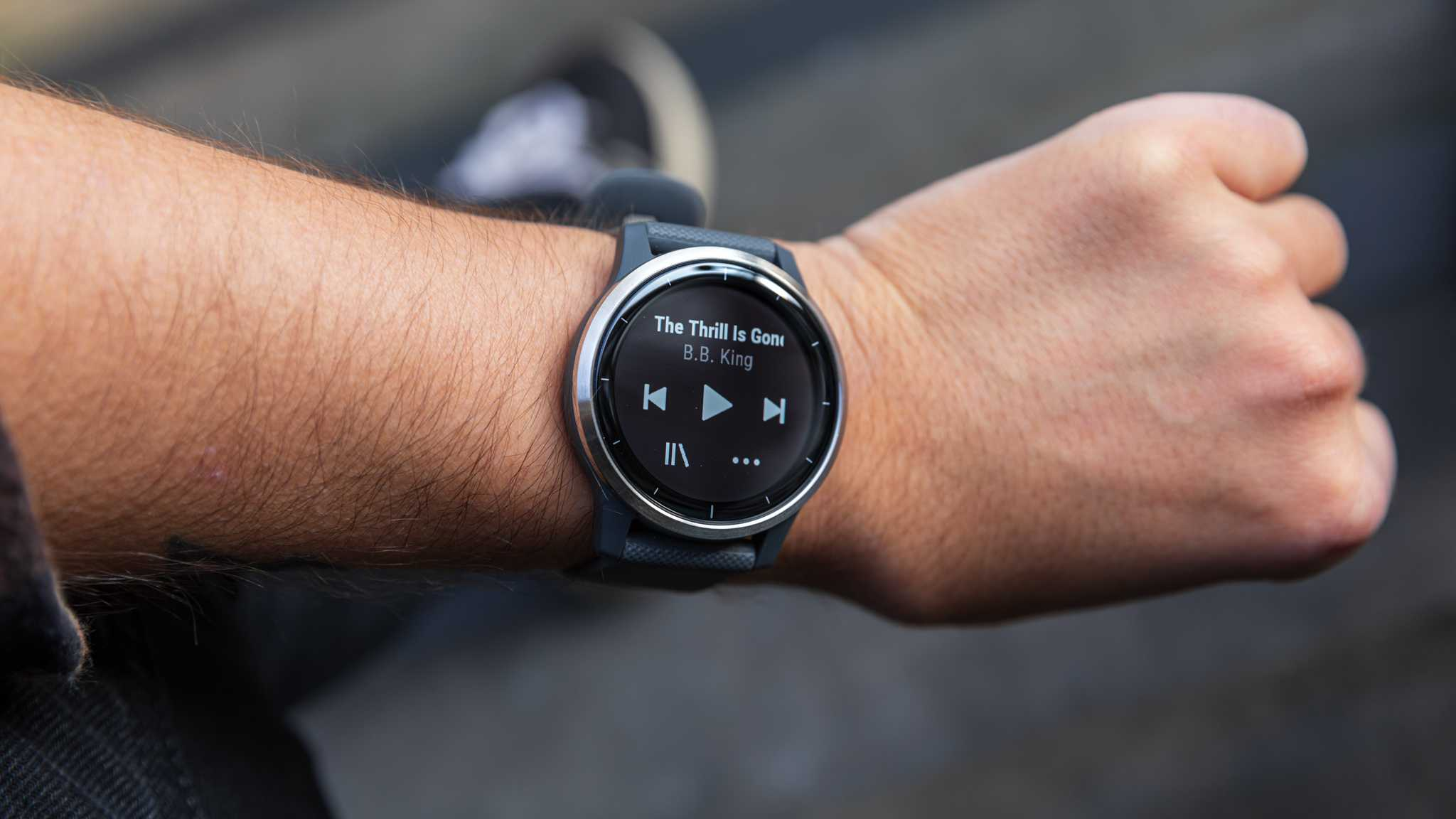 Garmin Vivoactive 4S Smartwatch Review: Perfect Activity Tracking Tool