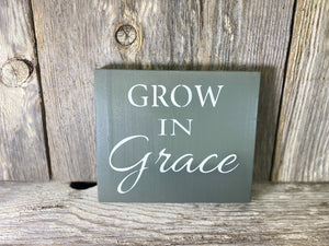 Grow in Grace - solid - 7.25""