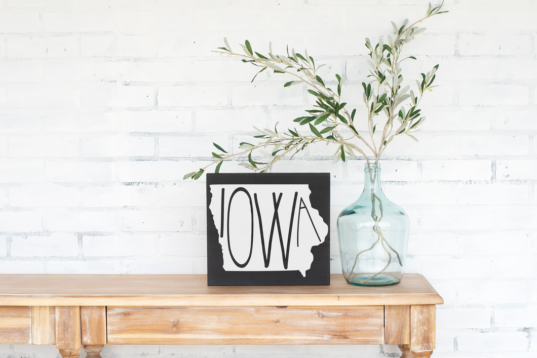 Iowa Wood State Sign - solid - 11.25
