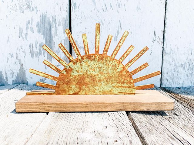 Sun Metal Interchangeable - Wooden Base - Summer