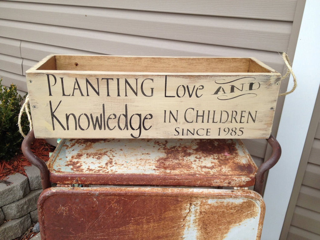 Teacher's Gift - Teacher Gift - Planter Box - Customized teacher gift- Wooden Planter Box - Retirement Gift - Gardening - Porch Decor