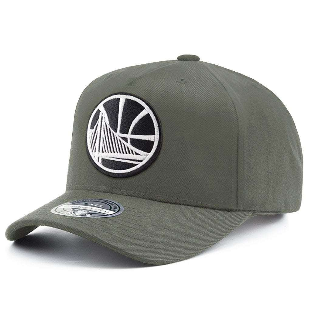 big sale f9f39 95366 Golden State Warriors Mitchell   Ness NBA Black   White Logo 110 Curve  Snapback Hat -
