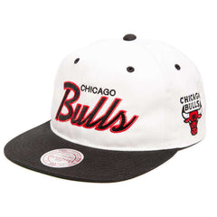 Chicago Bulls Mitchell & Ness NBA Retro Script Snapback Hat - White