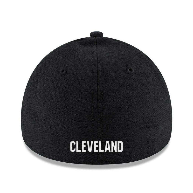 Cleveland Cavaliers New Era NBA Black & White 39THIRTY Stretch-Fit Curve Hat
