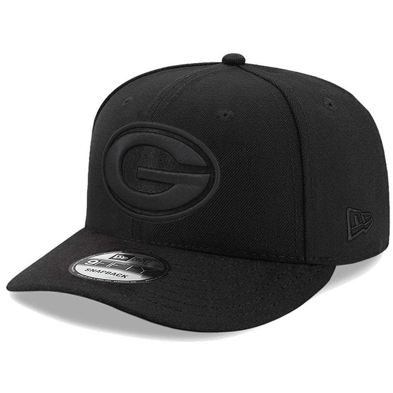 Green Bay Packers New Era NFL Black On Black Pre-Curved 9FIFTY Snapback Hat
