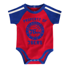 Newborns Philadelphia 76ers Outerstuff NBA Rebound Creeper Bib & Bootie Set - Blue
