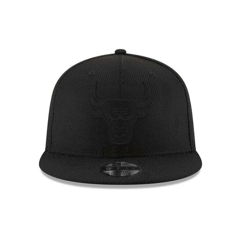 Youths Chicago Bulls New Era NBA Black On Black Diamond Era 9FIFTY Snapback Hat