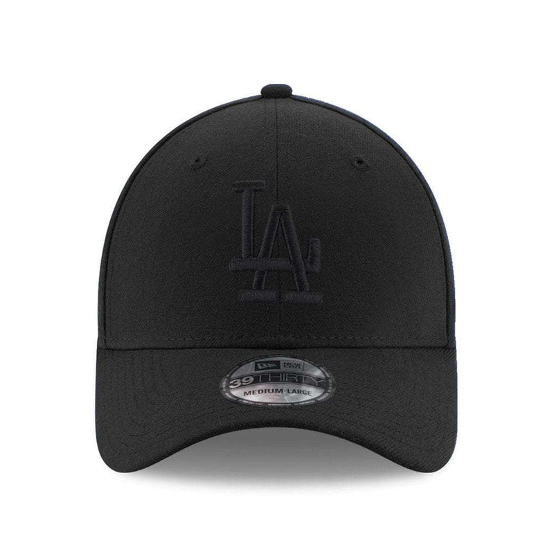 Los Angeles Dodgers New Era MLB Black On Black 39THIRTY Curve Hat