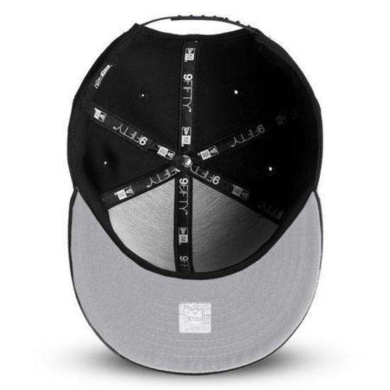 Oakland Raiders New Era NFL Black On Black 9FIFTY Snapback Hat