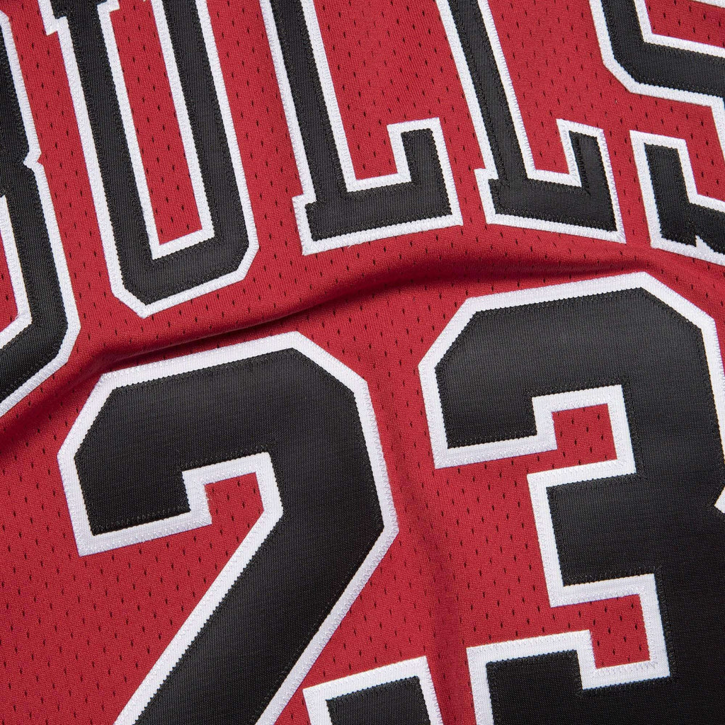 huge selection of 49c65 f4328 Michael Jordan Chicago Bulls Mitchell & Ness NBA Authentic Jersey - Red