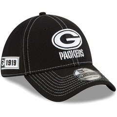 Green Bay Packers New Era NFL 2019 Sideline Black & White 39THIRTY Stretch-Fit Curve Hat