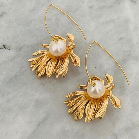 Fleur & Pearls Earrings