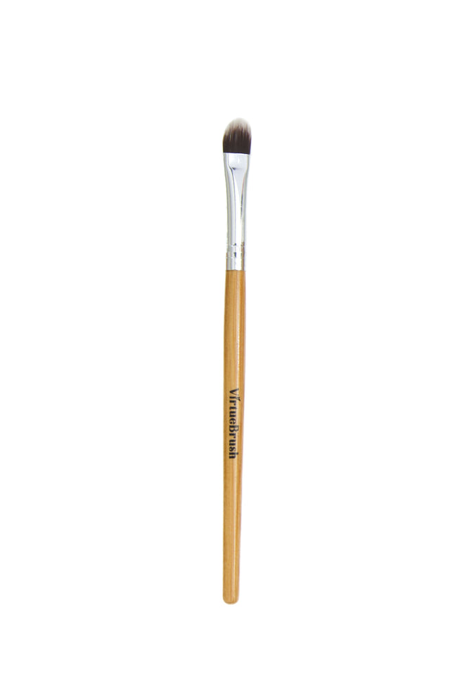 MAKEUP Eyeshadow Brush with Bamboo Handle