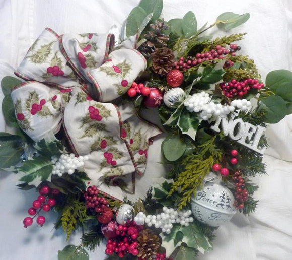 Christmas wreath, Christmas Decorations, Wreaths for the front door, fireplace wreath
