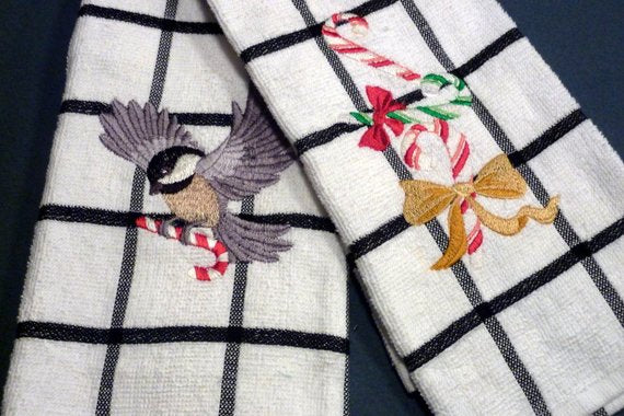Christmas towel set - Embroidered Kitchen towels - Holiday towel set