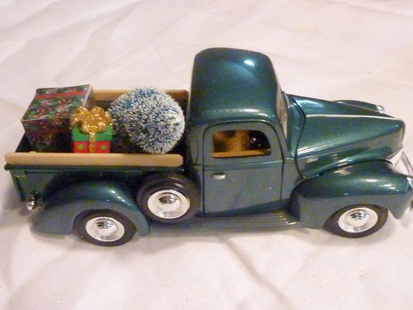 Farmhouse Truck, 8 inch Green Diecast truck decor, Christmas Truck decorations - Julie Butler Creations
