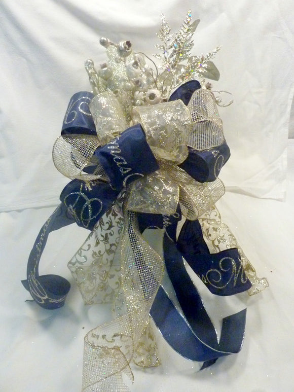 Christmas tree topper, Ribbon topper, Tree decorations, Bow Tree Topper - Julie Butler Creations